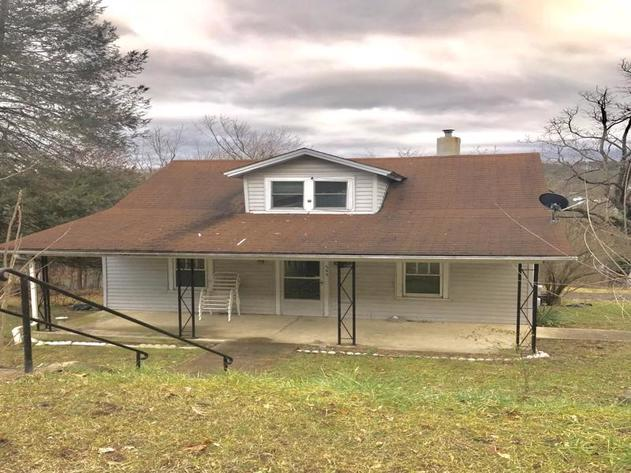 542 Wilkes Street Berkeley Springs WV  ONLINE ONLY Real Estate Auction!