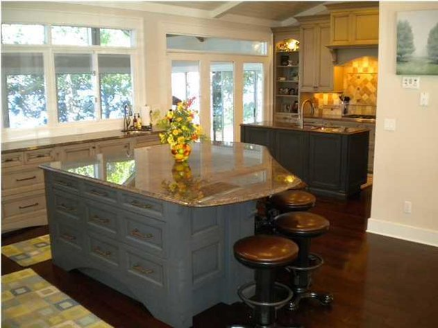 Beautiful Bay Front Home! 20 Bluewater Point Road, Niceville, FL