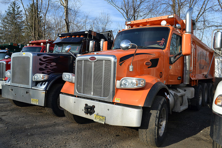 edade0ca7d8395 Auction. 2018 Peterbilt   Mack Dump Trucks