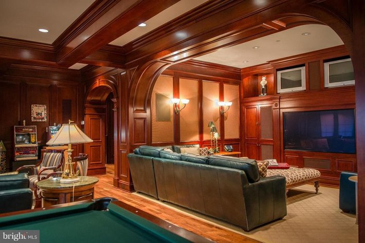 $8.9 Million Mansion Downsizing Auction, Online