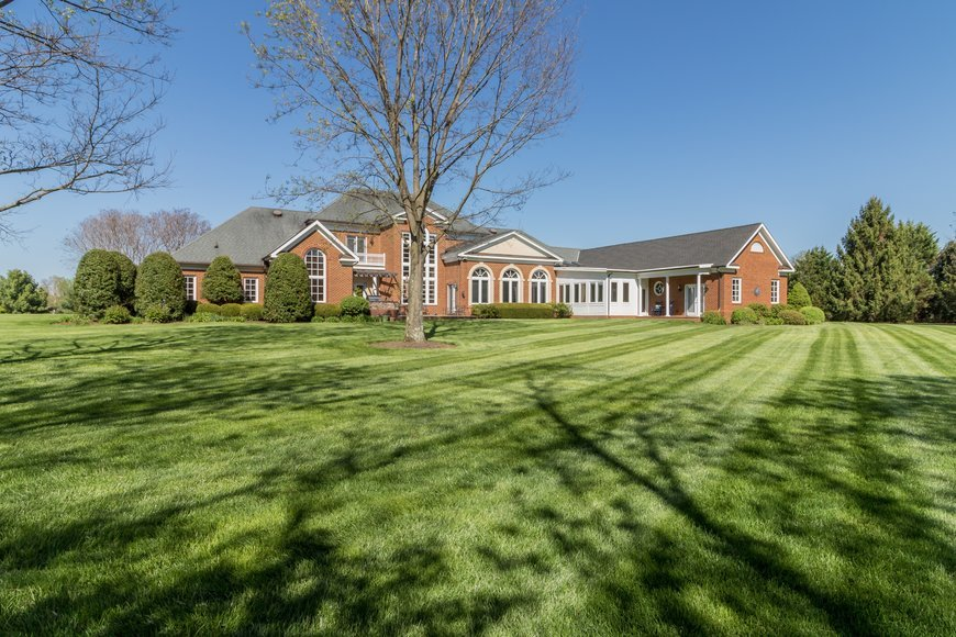 5 BR/5.5 BA Luxury Estate Home on 5+ Acres w/Rappahannock River Access in North Club--Online Only!