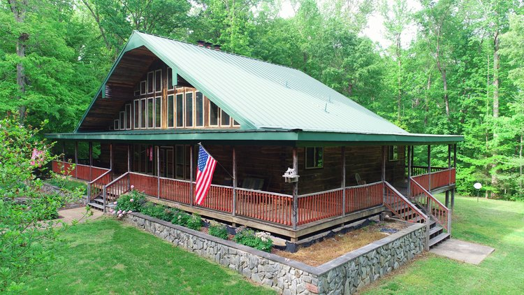 Immaculate 3 BR/3 BA Log Home on 8.4 +/- Acres Only Minutes from Lake Anna--Louisa County, VA