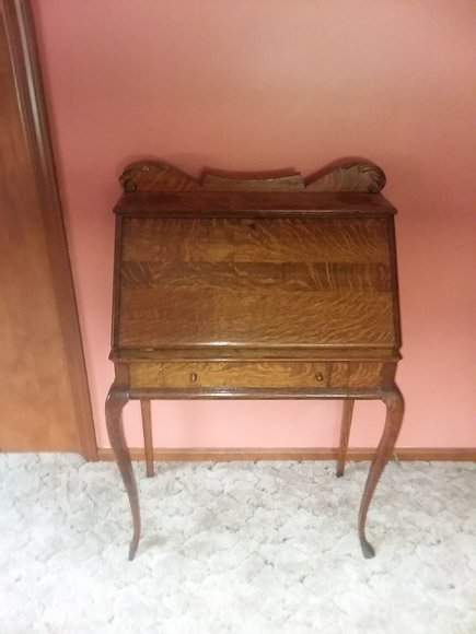 PUBLIC AUCTION  ANTIQUES – COLLECTIBLES  FURNITURE – TOOLS