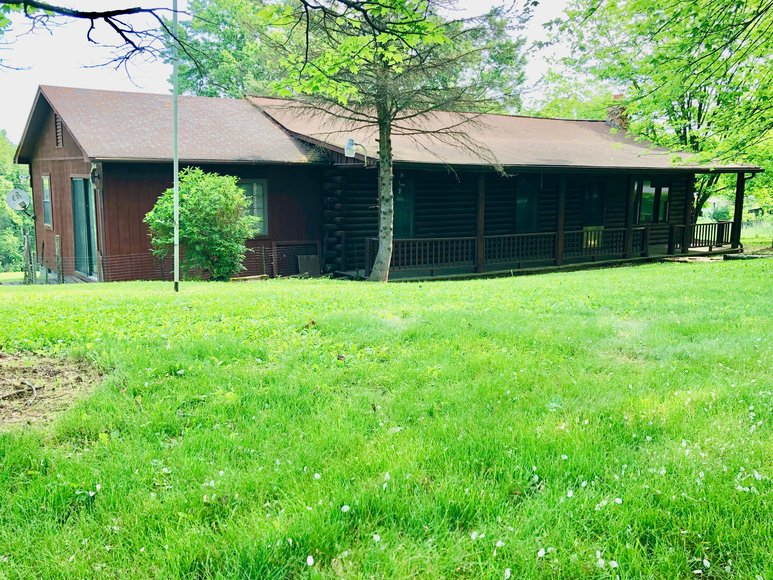 2 BR/1 BA Log Home on 2 +/- Acres in Augusta County, VA--ONLINE ONLY BIDDING!!