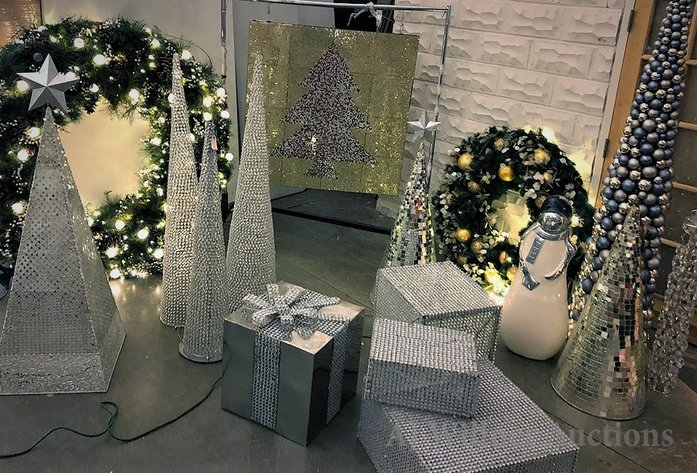 Holiday Window Displays, Ornaments, Lighting & Wreaths