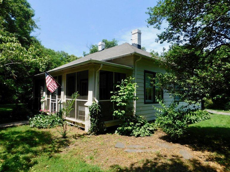 Featured Image for Charming 3 BR/1 BA Home on 2 +/- Gorgeous Acres....Only 15 Miles from Charlottesville  & Close to Wineries!!