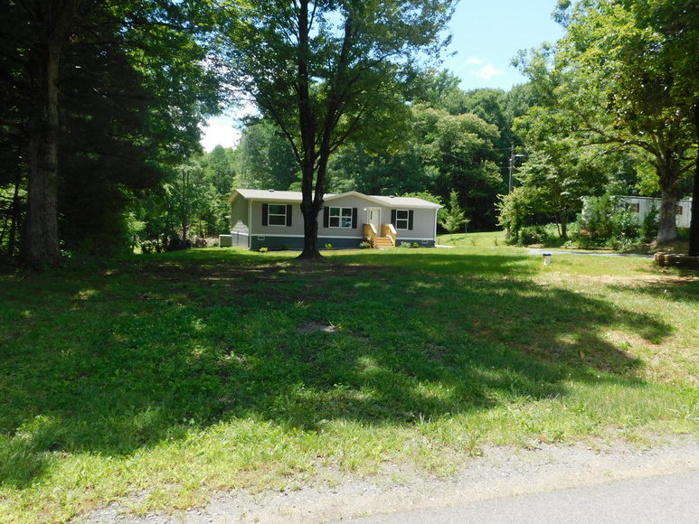 New 3 BR/2 BA Clayton Home on 4.6 +/- Acres in Orange, VA--ONLINE ONLY BIDDING!!