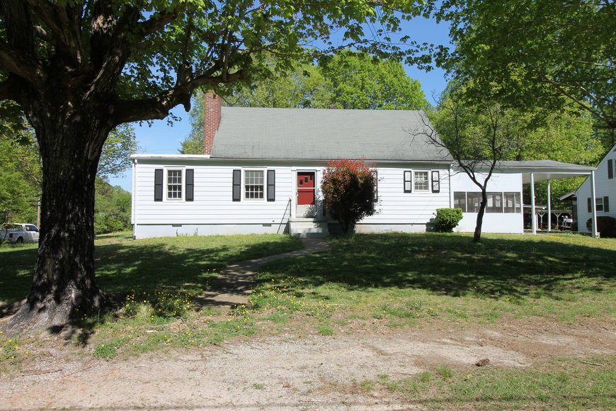 Featured Image for 3 BR/1 BA Home on Corner Lot in the Town of Victoria, VA