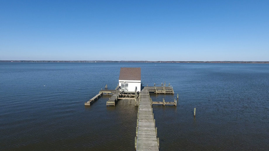 Featured Image for 11 BR/12 BA Rappahannock River Front Mansion on 2.4 Acres on