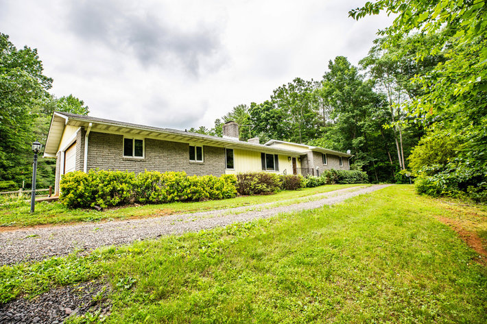 3 BR/3 BA Home w/Guest Cottage & Work Shop on 12 +/- Acres in Madison County, VA