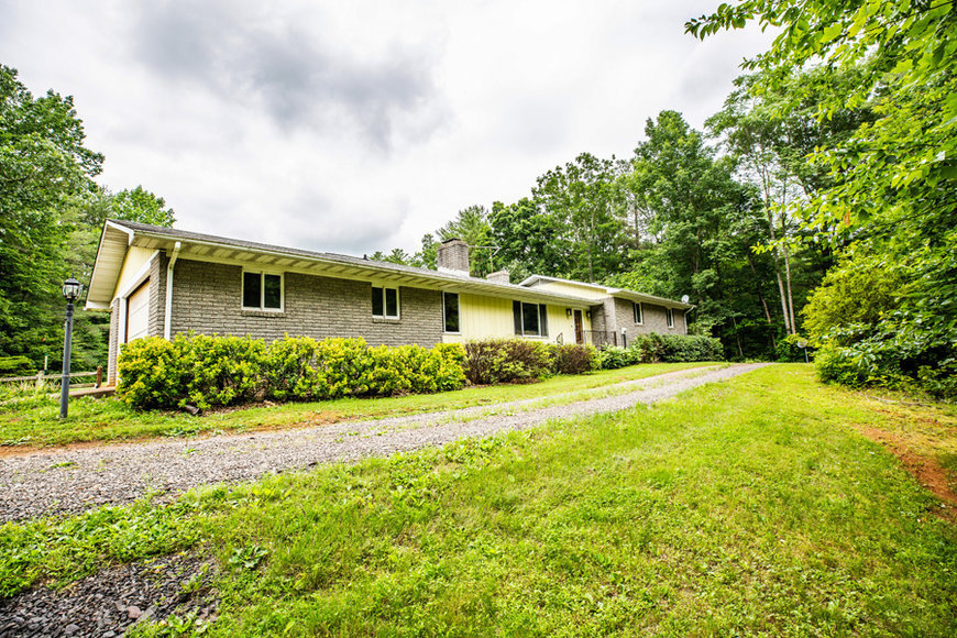 3 BR/3BA Home w/Guest Cottage & Work Shop on 12 +/- Acres in Madison County, VA