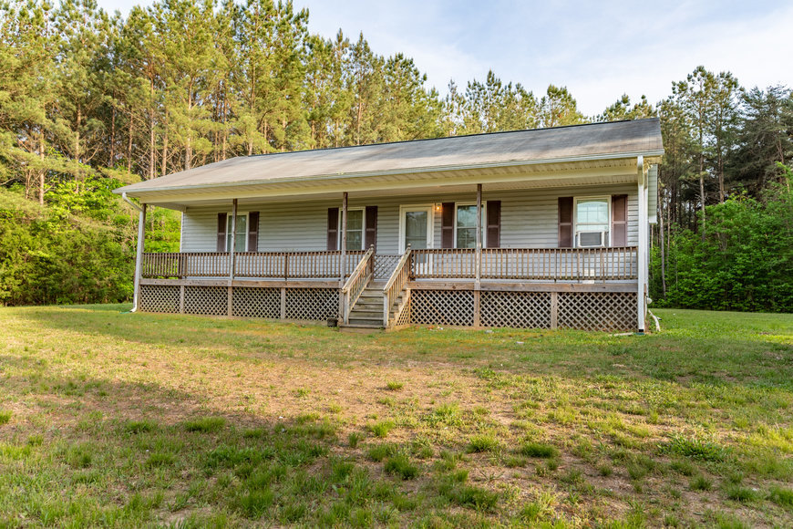 3 BR/2 BA Home on 72.5 +/- Acres (60+ Acres is Timber) in Lunenburg County, VA--Sells to the Highest Bidder!!