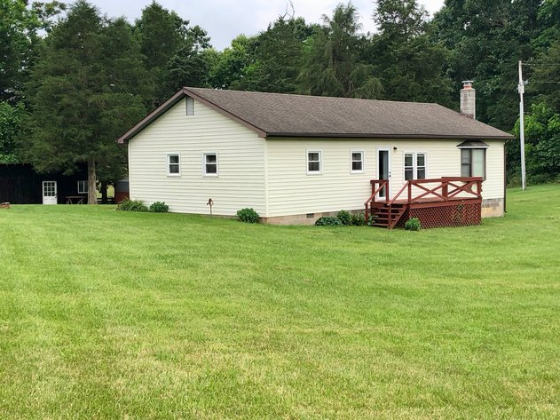 3 BR/1 BA Home on 9.2 +/- Acres Close to I-81 & James Madison University--ONLINE ONLY BIDDING!!
