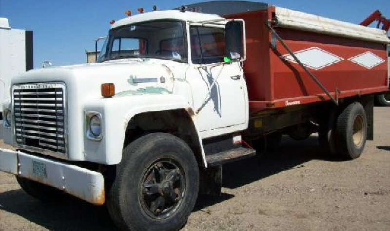 1978 International Loadstar 1700 Grain Truck