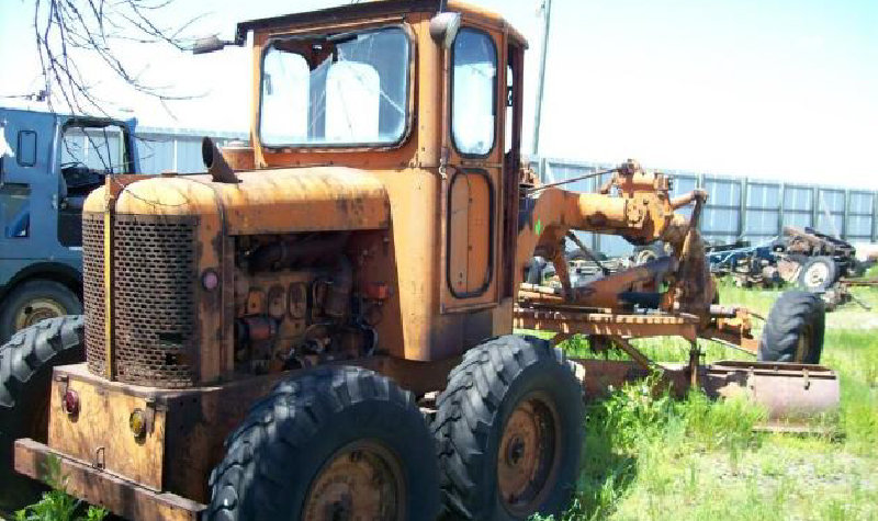 Marshall Truck Salvage Excess Equipment: Kenworth T300 Van, Trailer, Road Grader, Case 1840 Skid Steer and More