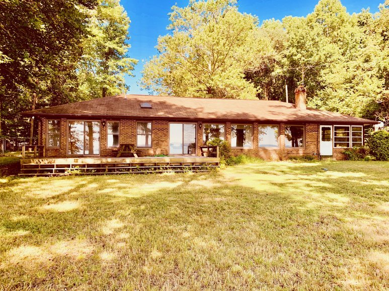 3 BR/3 BA Potomac Riverfront Home on 4 +/- Acres in Stafford County, VA--SELLS to the HIGHEST BIDDER!!