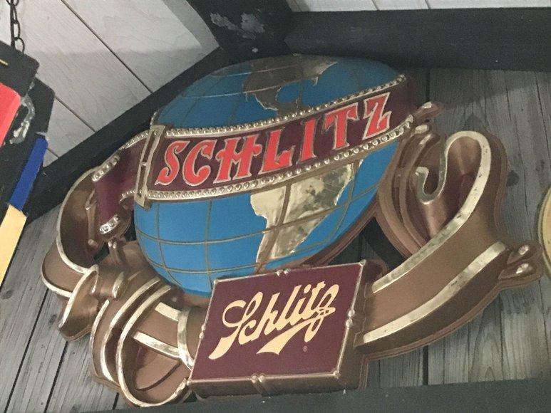 Alderfer Online – Schwenksville, PA Part 1: 7-28-19 | Vintage Beer Signs, Bar Decoratives, Figural Liquor Bottles, Household Items & More!