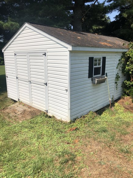 Solid 3 BR/2 BA Home on .34 +/- Acre Lot Located Only Minutes From Main St. & Downtown Culpeper, VA
