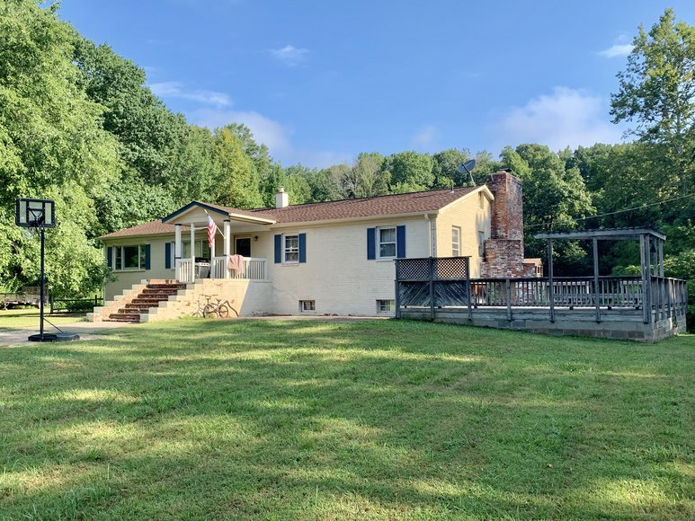 4 BR/2 BA Brick Home on 3.5 +/- Acres in Prince William County, VA--SELLS to the HIGHEST BIDDER!!