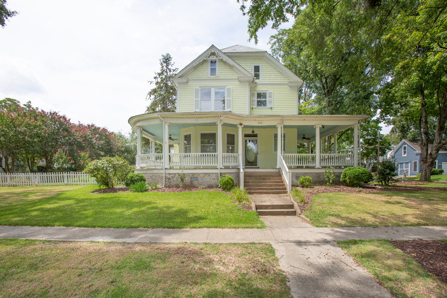 Featured Image for 4 BR/2.5 BA Victorian Home w/Views of the Mattaponi River in West Point, VA
