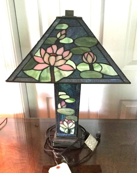 Alderfer Online - Sellersville, PA: 9-19-19 | Featuring Partners Desk; Harden Table; Tiffany Style Lamp; Satsuma Umbrella Stand; Belleek China & Table Lamps; Cast Iron Figurines; All-Clad Cookware & More!