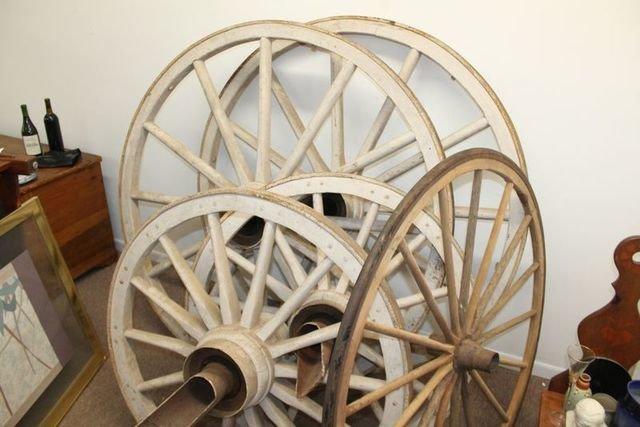 Daniel Boone Village Antiques, Collectibles
