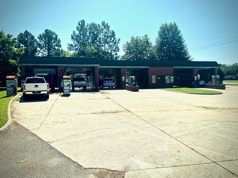 Operational & Income Producing 6 Bay Car Wash in Hampton Roads