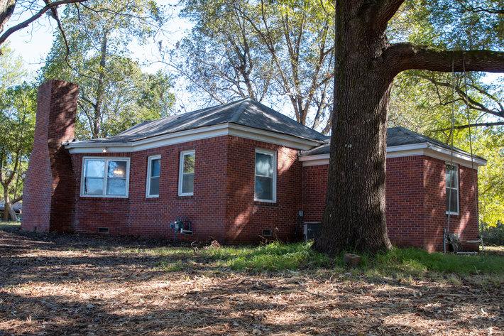 Bob Page Estate ~ 4200 Broadway Rd, Ellendale/Bartlett, TN House & 15±Acres ~ No Reserve Auction