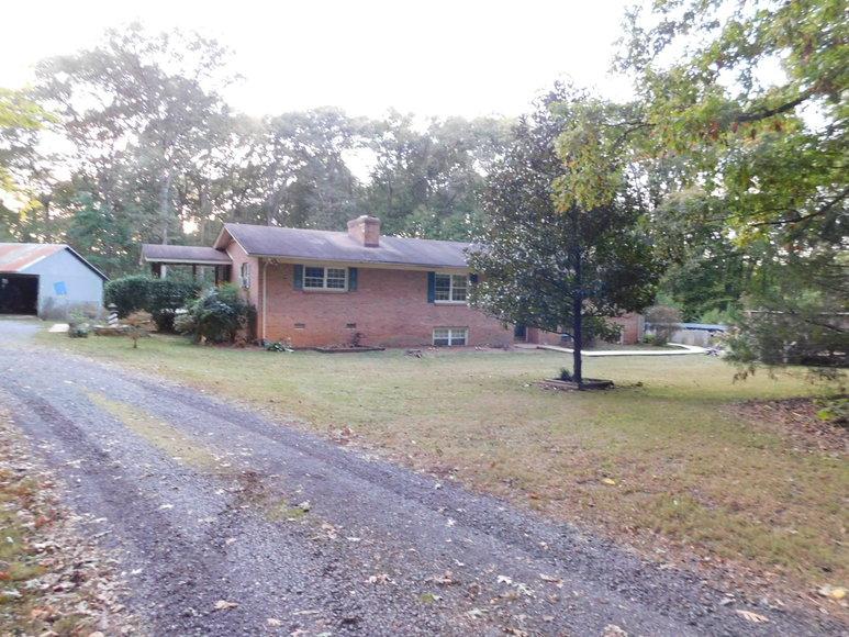 4 BR/3 BA Home on 11 +/- Acres w/Large Workshop/Barn in Orange County, VA