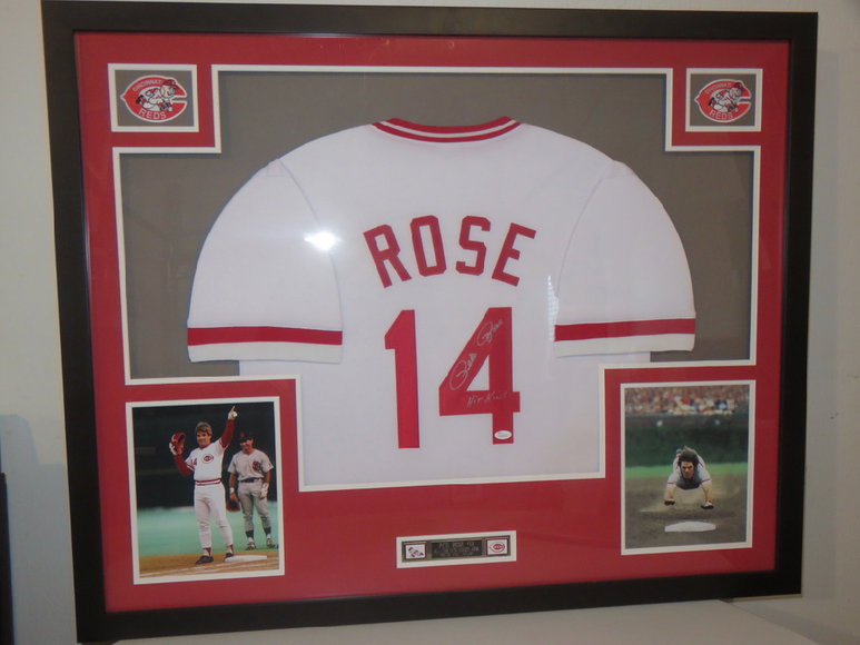 Sports Memorabilia, Antiques & Artwork Auction