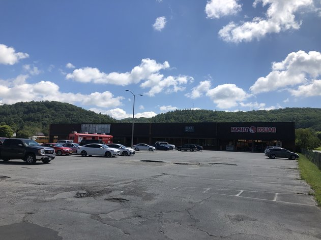 Receivership Auction of Shopping Center in Newland, North Carolina