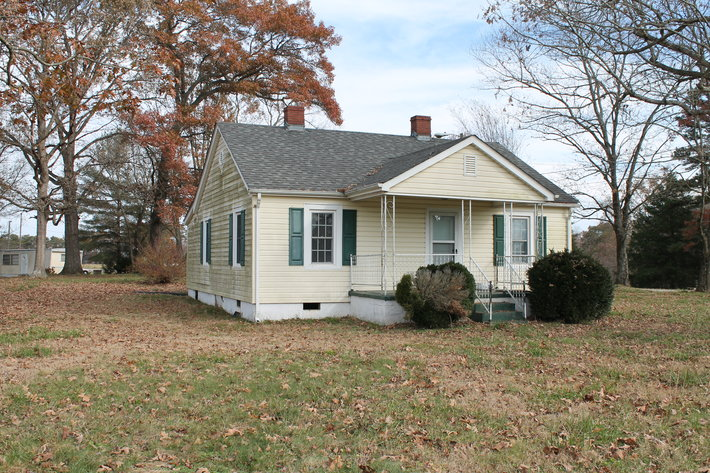 Commissioner's Sale - 2 Bedroom House in Siloam, NC