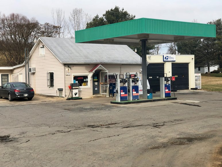 Operational Convenience Store/Fuel/Post Office in Augusta County, VA--ONLINE ONLY BIDDING!!