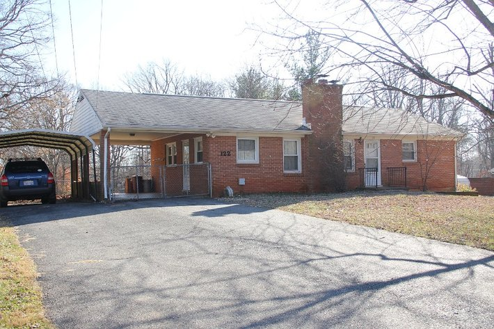 3BR Brick Home off Waterlick Rd