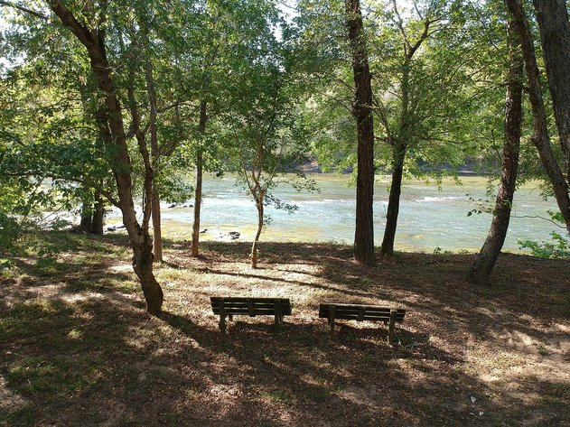271 Acres on the Staunton River 2 Homes, 2 Ponds, Timber, Road Frontage, River Frontage, 9 Tracts