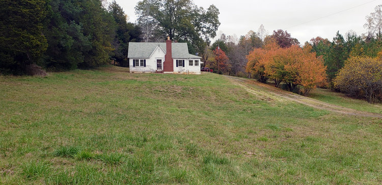 Fixer Upper Home on 10 Acres near Lynchburg