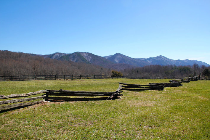 302 Acre Farm in the Scenic Shenandoah Valley