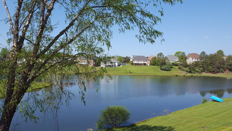 4BR Townhome on Lake Vista