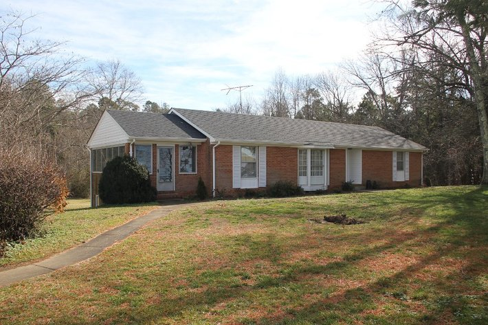 3BR Home & Shop on 1 Acre