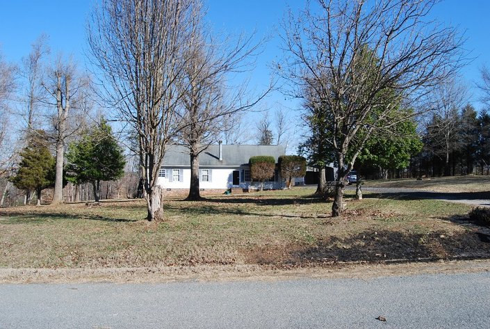 3BR Home & Garage on 15 Acres