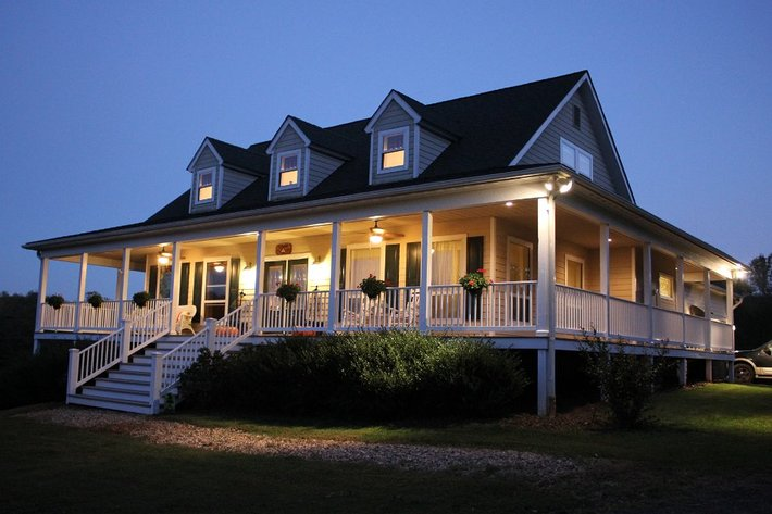Nice 4BR/3BA Builder's Home on 4+ Acres