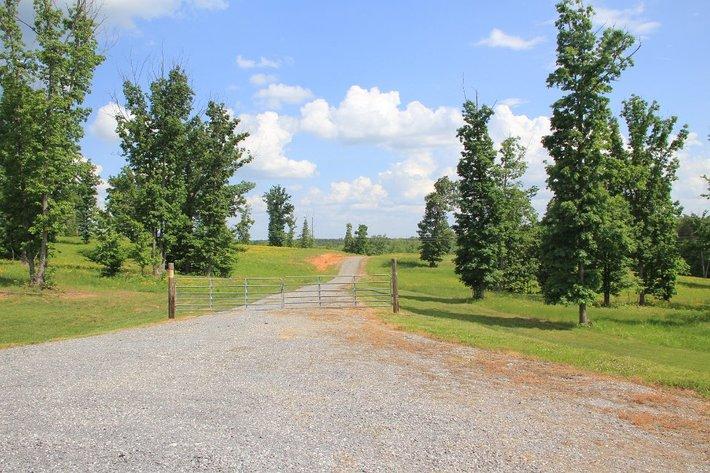 83 Beautiful & Historic Acres across from Poplar Grove Golf Course