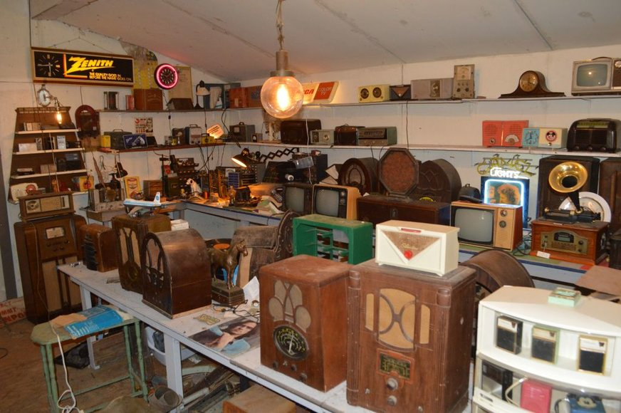 Liquidation of Radios, Antiques, & Collectibles for the Peterson Family
