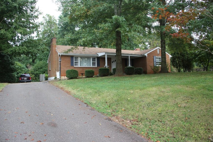 3BR Brick Ranch Home in Great Location