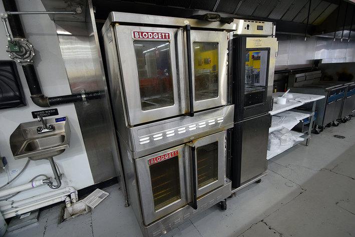 Late Model Supermarket Equipment