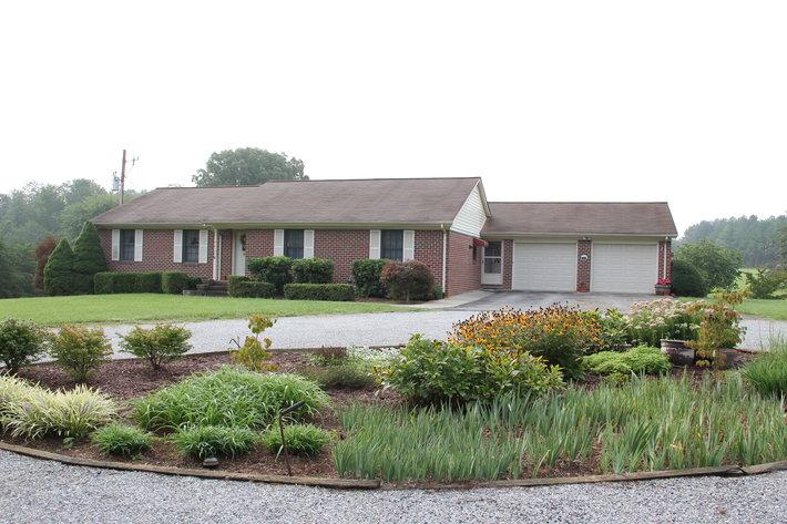 2 Homes in Appomattox