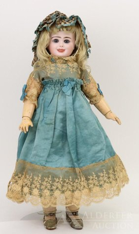 Catalog of Antique and Other Fine Dolls | May 6, 2020 at 10:00 AM