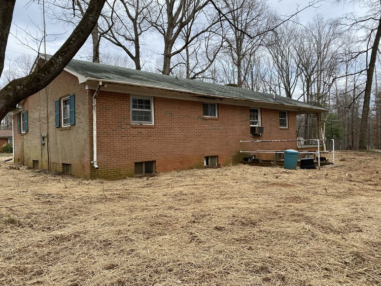 3 BR/1 BA Brick Ranch Style Home on 1/2 Acre Corner Lot in Madison County, VA--SELLS to the HIGHEST BIDDER!!  ONLINE ONLY BIDDING!!