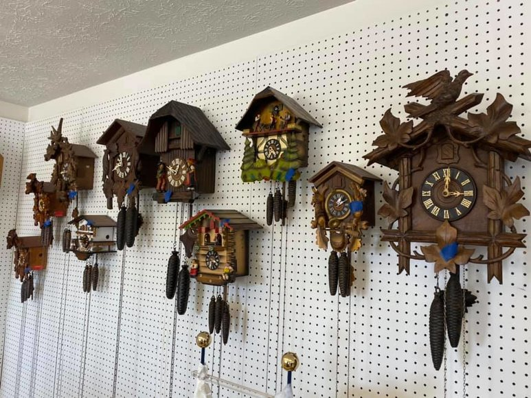 Antique and High-End Clock Auction