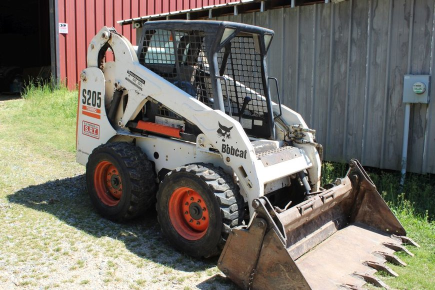 Estate Liquidation of Farm Equipment, Service Trucks &Vintage Farm Items